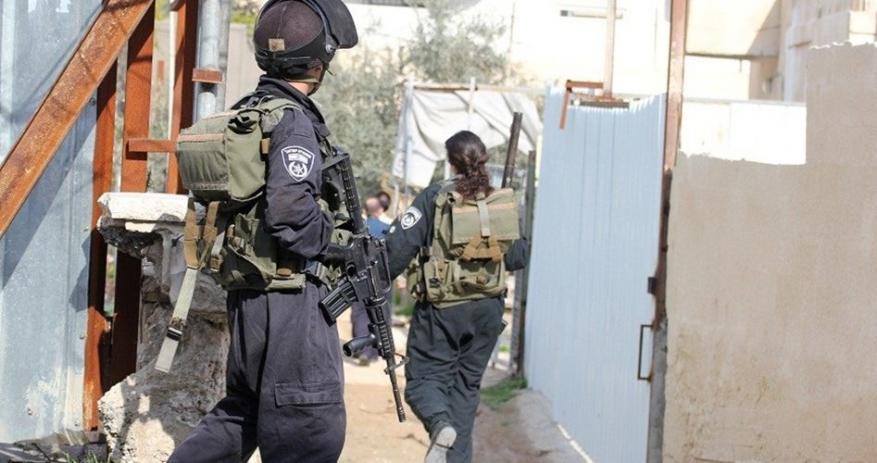 الاحتلال يخطر بهدم منازل في الخليل والقدس