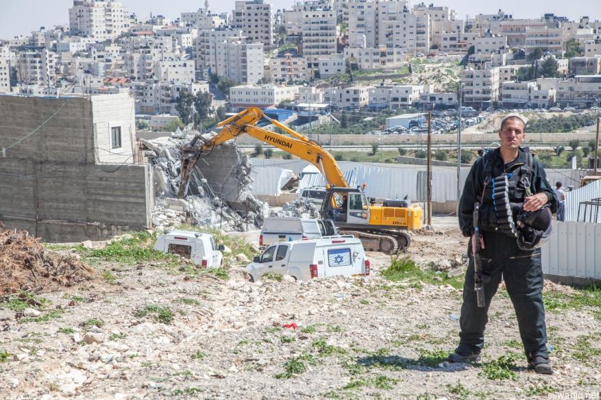 الاحتلال يخطر بإخلاء بناية سكنية جنوب الأقصى لصالح جمعيات استيطانية