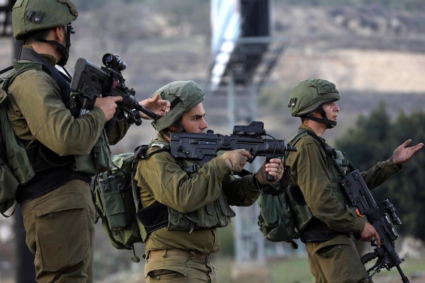 الاحتلال يرفع حالة التأهب في الضفة ومحيط غزة تحسباً لاندلاع مواجهات
