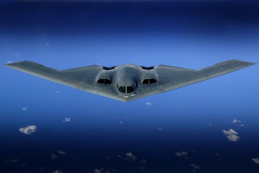 """أول طائرة صينية """"شبح"""" ضمن الجيل الخامس تدخل الخدمة"""