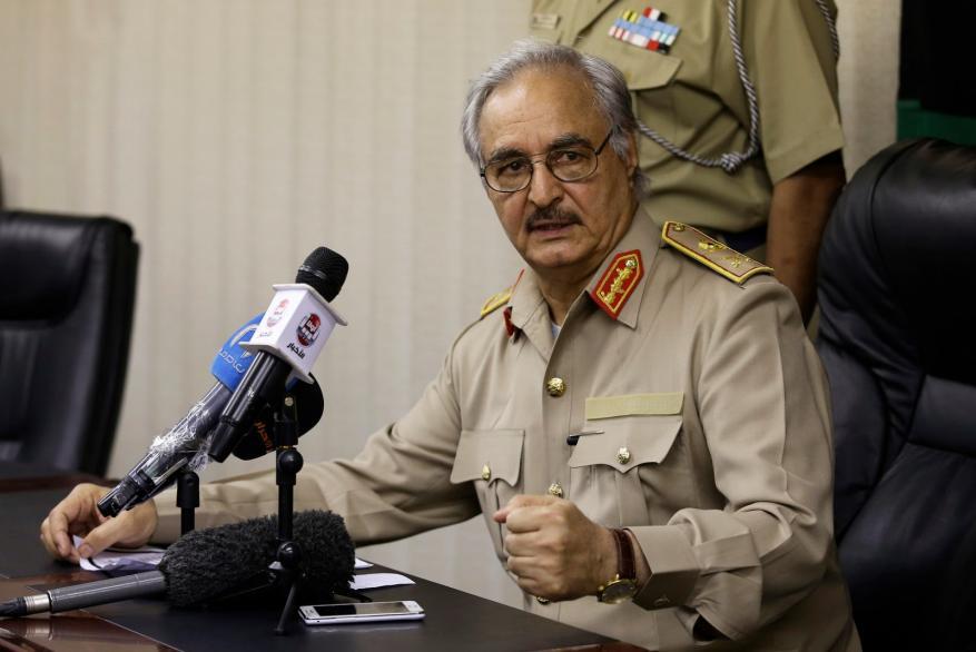 تسليم السعودية معتمرين لحفتر يثير مخاوف الليبيين