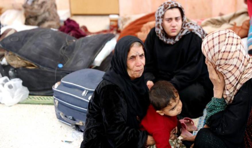عشرات القتلى ومئات النازحين بقصف التحالف للرقة