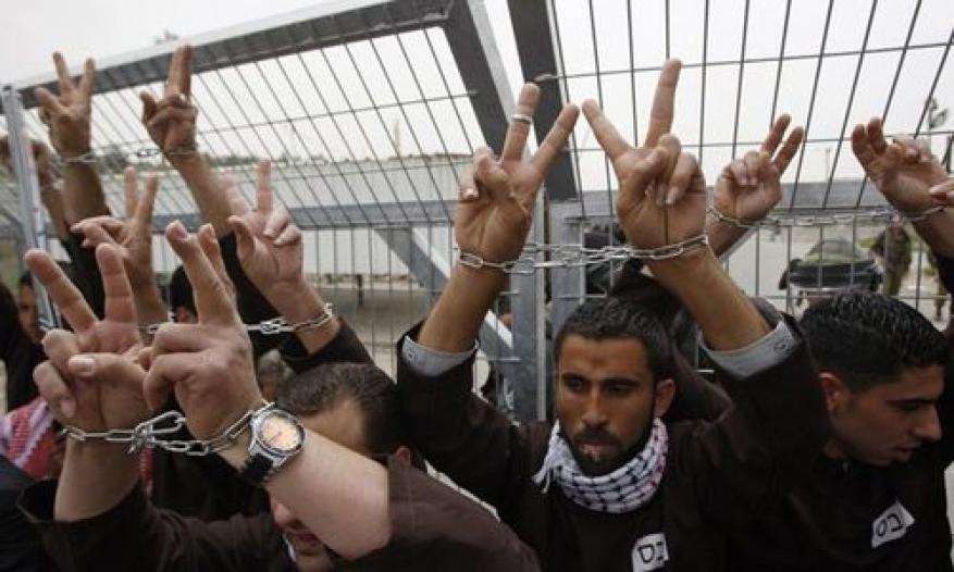 """الأسرى المضربون في سجن """"عسقلان"""" يعانون من ظروف صحية صعبة"""