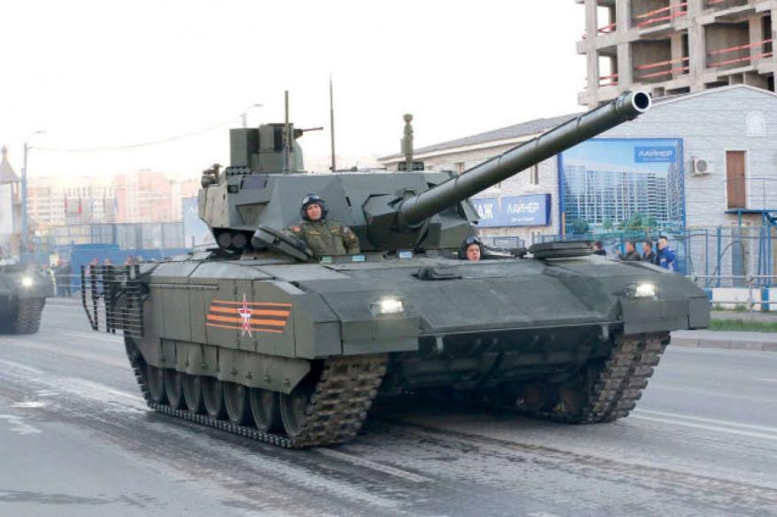 """""""أرماتا"""" دبابة روسية حديثة مزودة بقذائف نووية ..تعرف عليها"""
