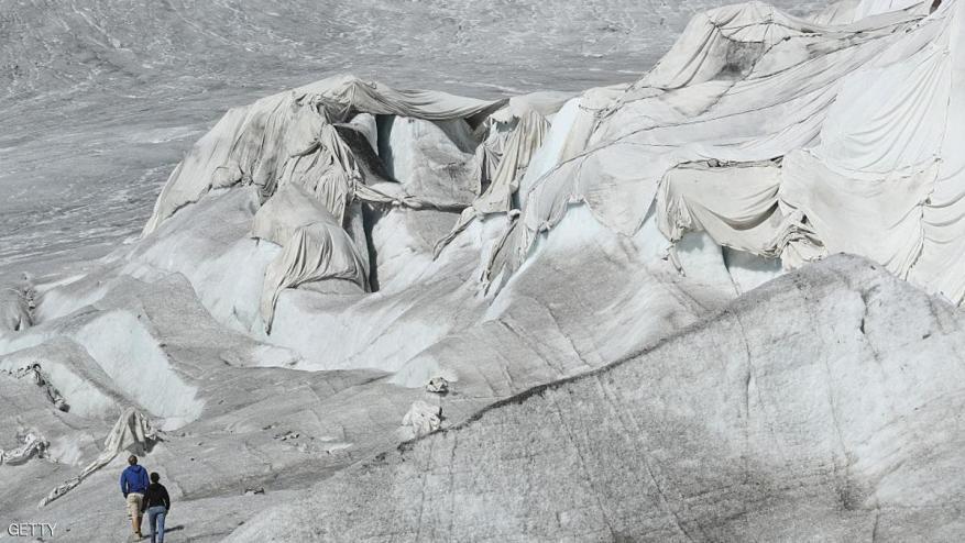 اكتشاف مئات الجثث بعد الانهيارات الجليدية بسويسرا