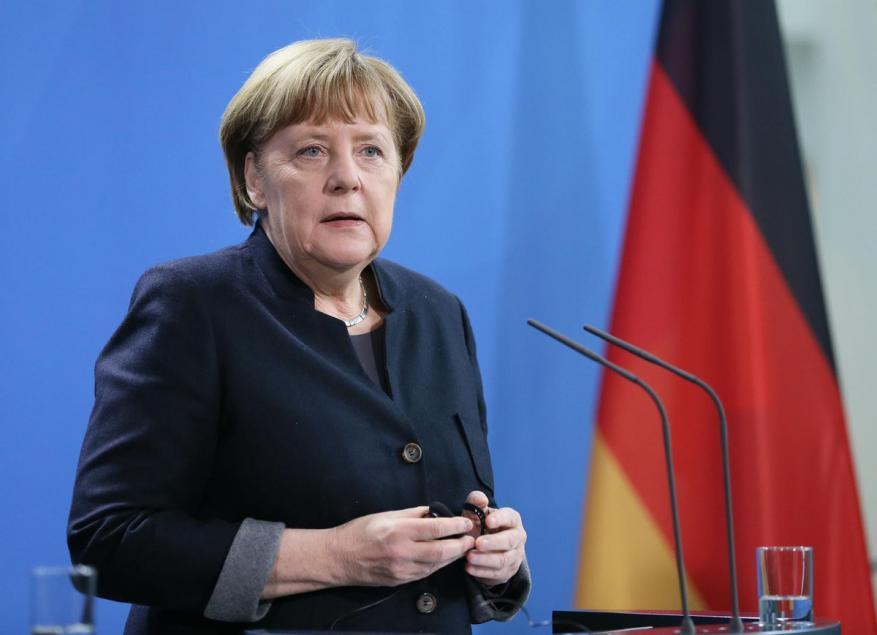 ميركل تعرض مشاركة ألمانيا في حل سلمي مع كوريا الشمالية