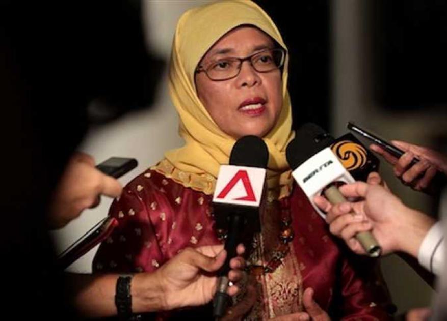 """""""حليمة يعقوب"""" أول رئيسة لـ سنغافورة"""