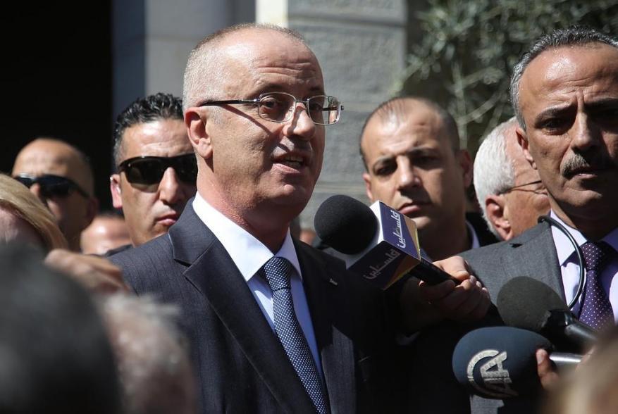 """فتح وإعلامها: الجميع متهم بتفجير موكب الحمد الله ما عدا """"إسرائيل"""""""