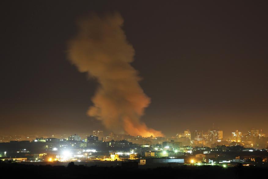طائرات الاحتلال تقصف أرض زراعية شرق رفح