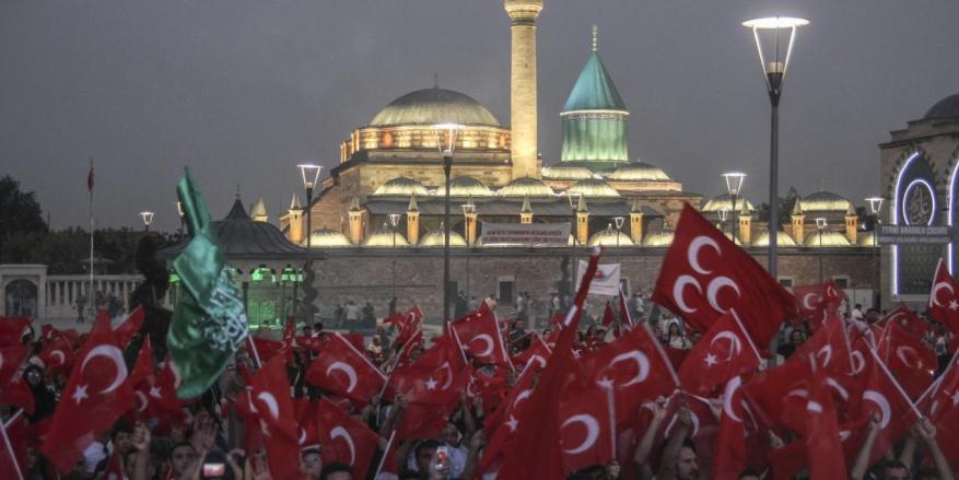 90 ألف مسجد في تركيا تصدح بالأذان والدعاء في ذكرى إفشال الانقلاب