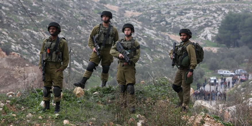 الاحتلال يصادر أراضي فلسطينيين في بلدة عزّون شرقي قلقيلية