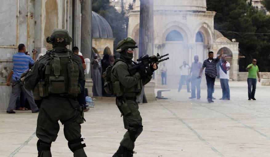 الأوقاف: الاحتلال أتلف محتويات في أقسام المسجد ولم يمس الموجودات التاريخية