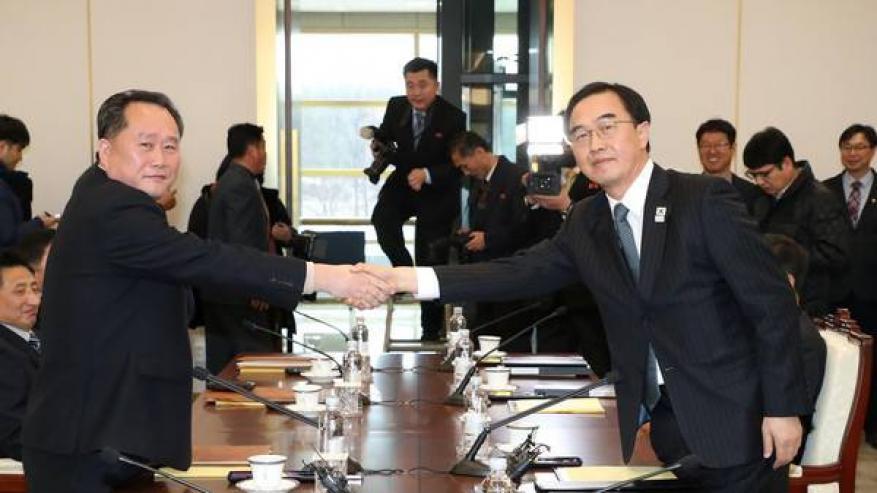 انطلاق أول محادثات بين الكوريتين منذ عامين