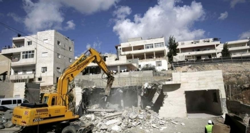 الاحتلال يهدم منزل في العيسوية بالقدس