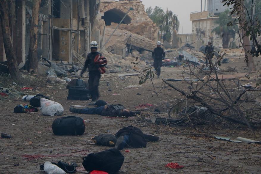 القيامة في حلب.. جثث الشهداء تفترش أرض المدينة الجريحة