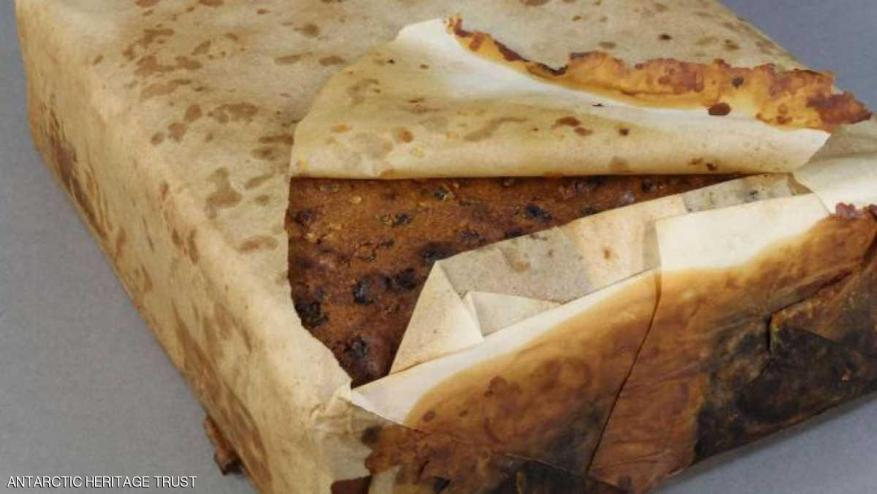 """العثور على كعكة """"تاريخية"""" عمرها 100 عام  قابلة للأكل !"""