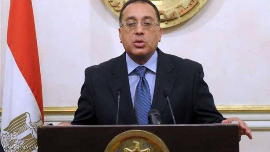 """السيسي يكلف """"وزير الإسكان"""" بتشكيل حكومة جديدة"""