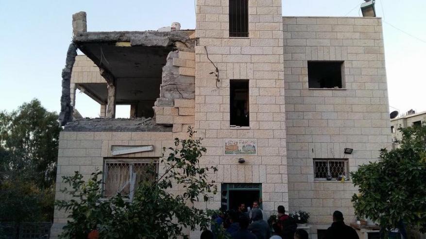 الاحتلال يفجر منزل الشهيد الجمل في القدس