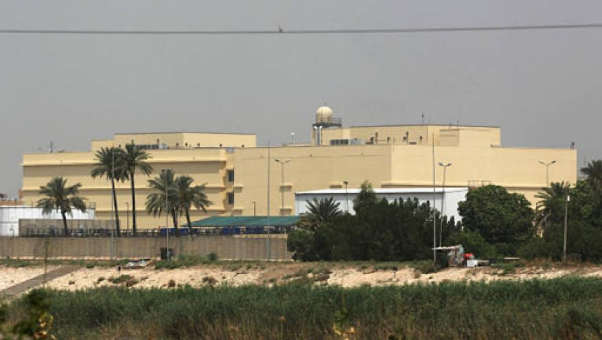 سقوط 4 صواريخ قرب السفارة الأمريكية في بغداد