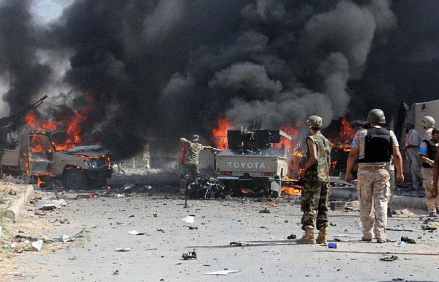 7 قتلى بانفجار سيارة مفخخة بعدن اليمنية