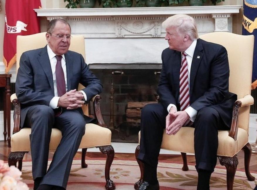 """ترامب أبلغ روسيا معلومات """"شديدة السرية"""" عن تنظيم الدولة.. ما هي؟"""