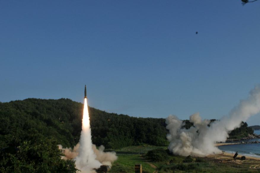 كوريا الجنوبية تجري مناورات لشن ضربات ضد جارتها الشمالية