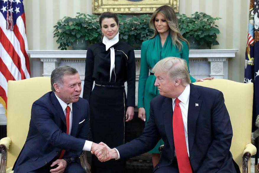 القناة العاشرة تكشف: هكذا سخر ترامب من العاهل الأردني خلال لقائهما في واشنطن