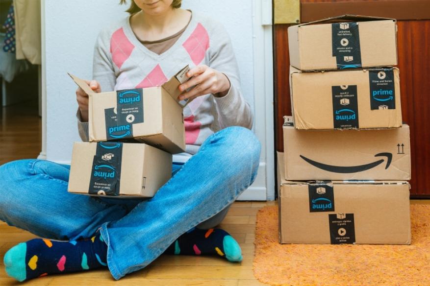 بدلاً من بلايستيشن 5 الجديد.. عملاء أمازون يحصلون على حقائب أرز وأدوات منزلية
