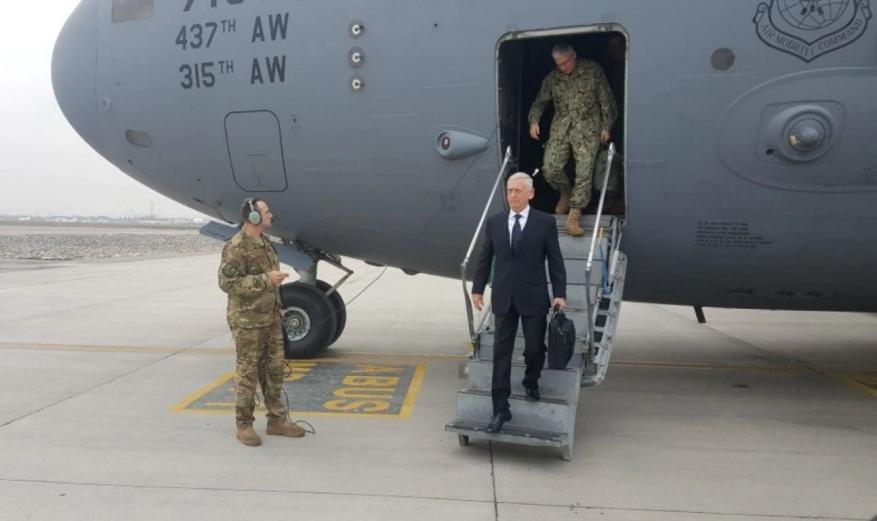 رئيس البنتاغون يصل أفغانستان لمناقشة مصالحة مع طالبان