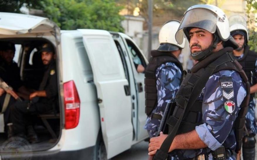 الشرطة تحقق بمقتل مواطن بغزة على يد زوجته وشخص آخر