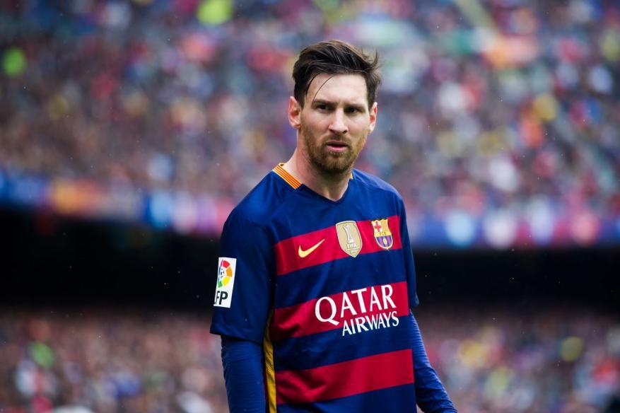 برشلونة يصعق جماهيره في تجديد عقد ميسي