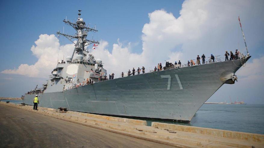 لأول مرة منذ عام 1999.. مدمرة أمريكية ترسو في ميناء اسدود