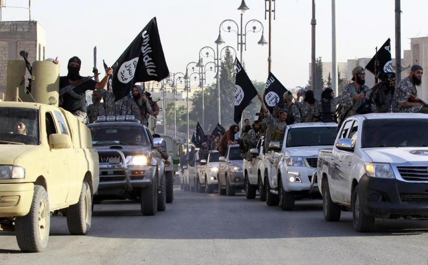 تنظيم الدولة يخلي مواقعه شمال دير الزور السورية