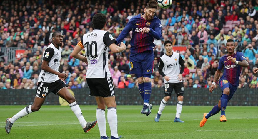 """برشلونة يواصل التقدم نحو لقب """"الليجا"""" بفوز صغير"""