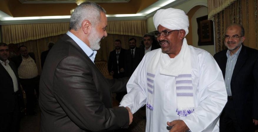 هنية يهنئ الرئيس السوداني برفع العقوبات الأمريكية عن بلاده