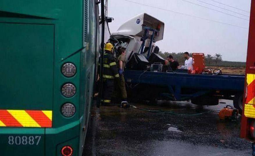 وفاة فلسطيني بتصادم مع حافلة مستوطنين قرب أريحا