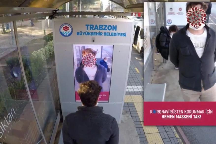 بطريقة مبتكرة.. بلدية تركية تحث المواطنين على ارتداء الكمامات