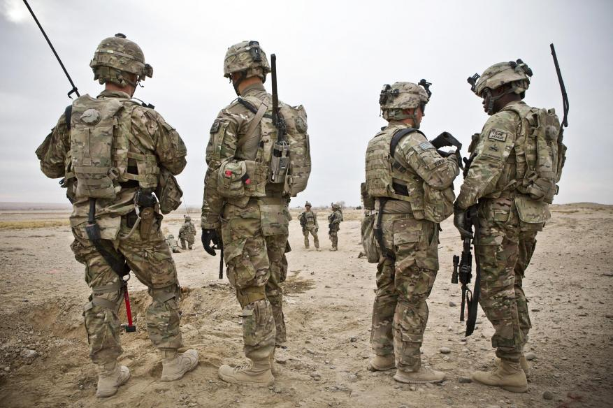 الولايات المتحدة تعتزم إقامة قواعد ثابتة في العراق