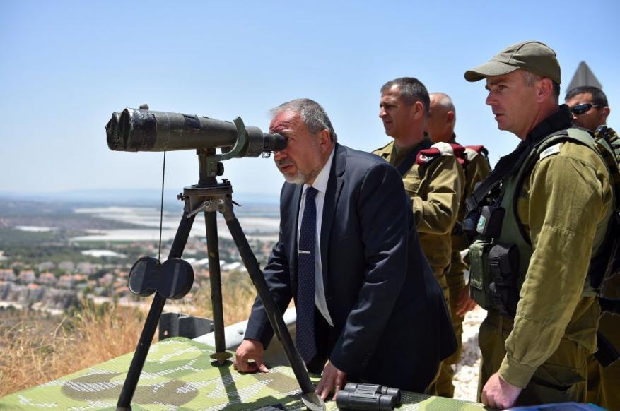 ليبرمان يدعو لتجنيد المسلمين للخدمة العسكرية في الجيش الإسرائيلي