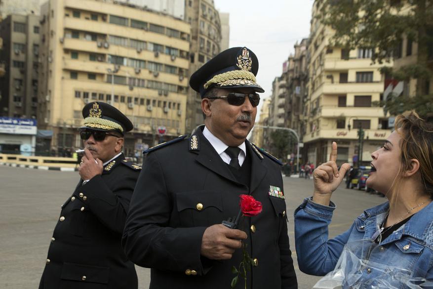 وفاة ضابط فلسطيني في السجون المصرية