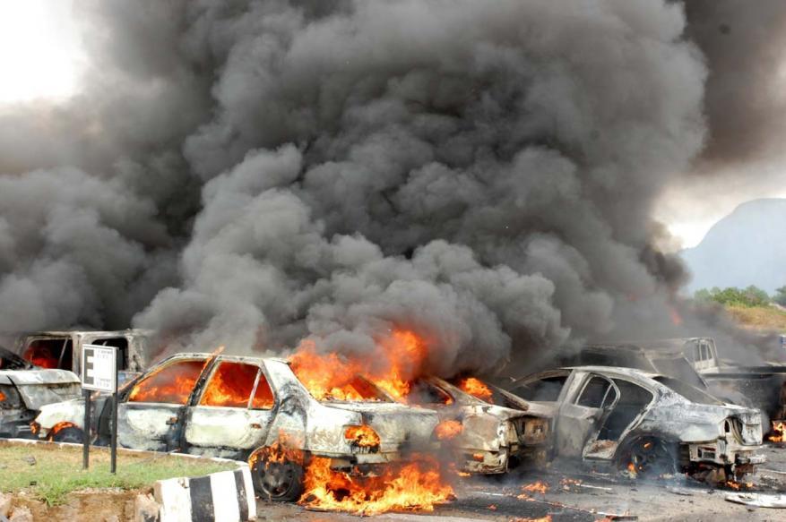 قتلى في انفجار سيارة مفخخة بدير الزور