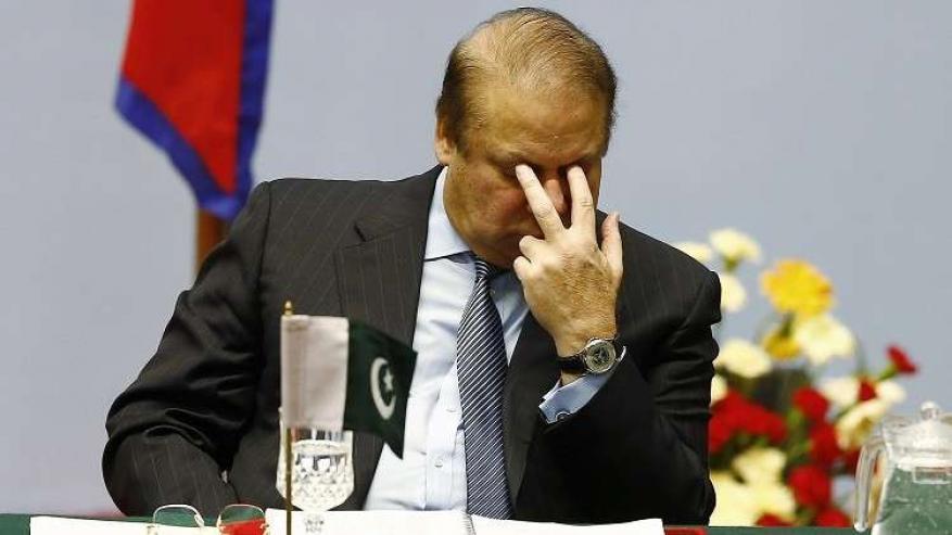 """على غرار بوش.. الاعتداء على رئيس الوزراء الباكستاني بـ """"الحذاء"""" !"""