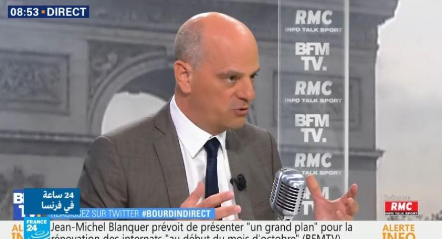 وسط معارضة يمينية.. وزير التعليم الفرنسي يدعو لتطوير تعليم اللغة العربية في بلاده