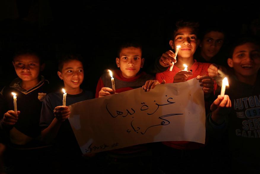 الصليب الأحمر يحذر من تداعيات أزمة الكهرباء في غزة