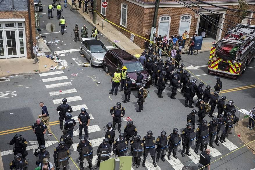 مقتل شرطيين بتحطم مروحية كانت تتابع أحداث فرجينيا الأمريكية
