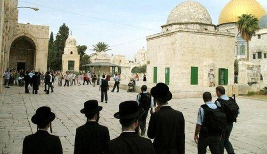 اقتحامات جديدة للأقصى واجراءات مشددة وسط القدس
