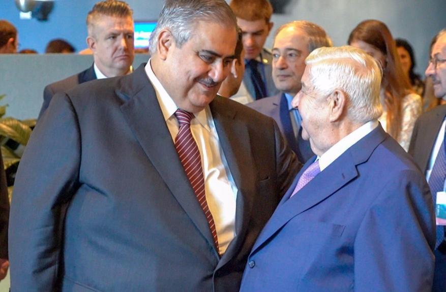 وزير خارجية البحرين: يجب أن تعود كل الأراضي السورية إلى سيطرة نظام الأسد