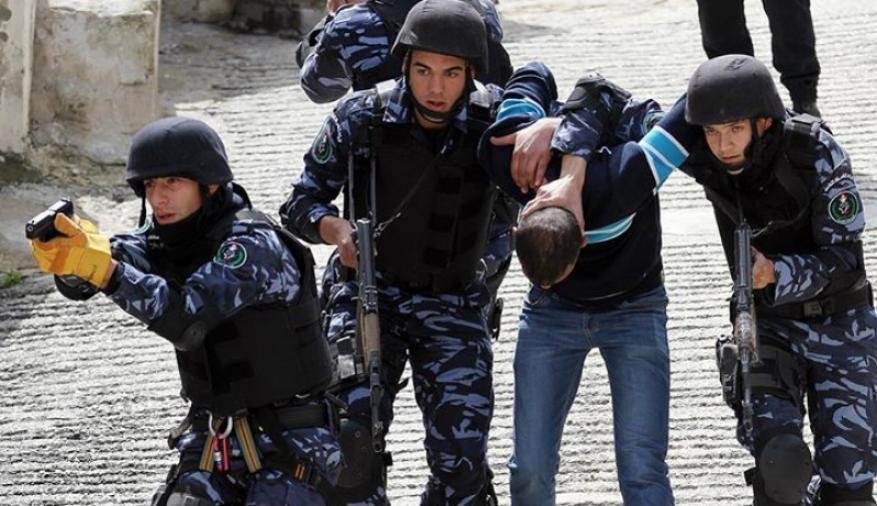 السلطة تعتقل 9 مواطنين بينهم صحفي من الضفة