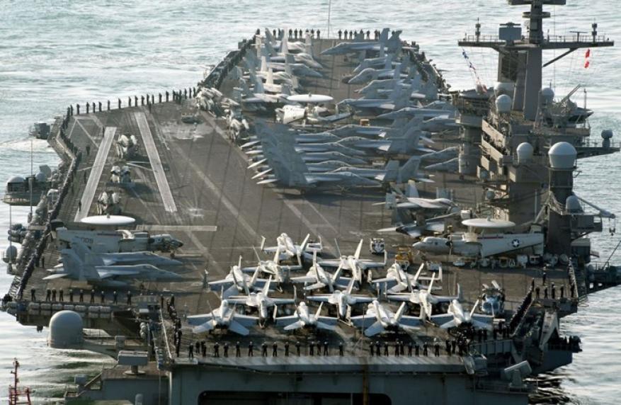 حاملة طائرات أمريكية تثير سخرية الصينيين.. لماذا؟