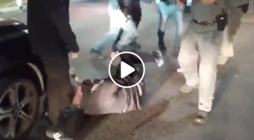 شرطة الاحتلال ومتطرفون يعتدون على فلسطينيين في يافا